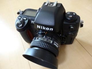 Nikon F100