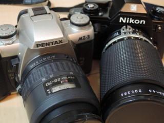 Nikon EMかPentax MZ-3か
